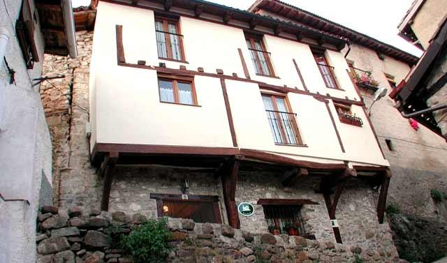 Casa Rural Media Legua, en Villoslada de Cameros, La Rioja