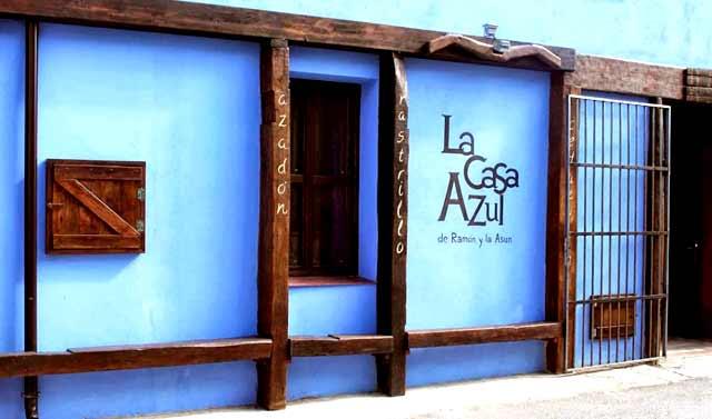 La Casa Azul de Ramón y Asun, en Alcandre, La Rioja