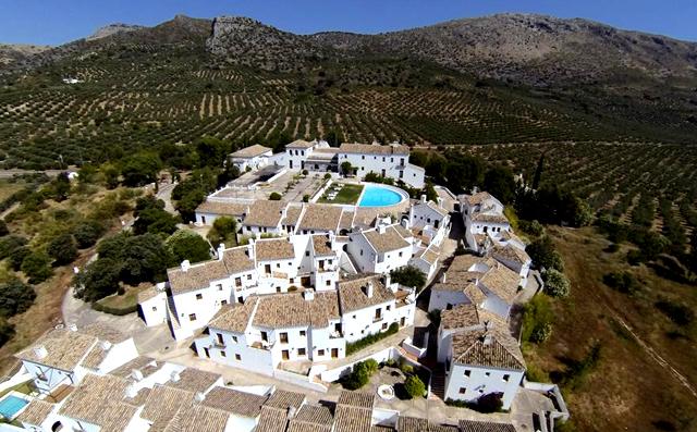 Los 25 mejores hoteles rurales de andaluc a for Hotel rio piscina priego de cordoba