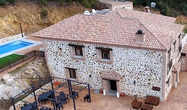 Casa Rural La Cabrera, en Los Navalucillos, Toledo