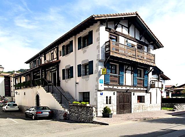 Hotel Rural & Spa Atxaspi, en Lesaka, Navarra