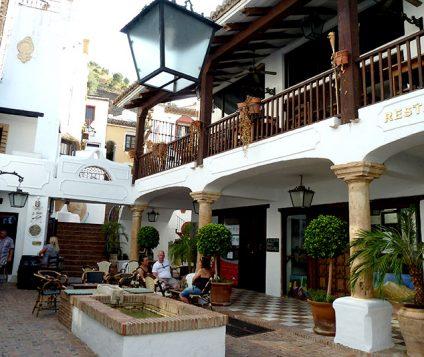 Plaza en Benahavís, Málaga