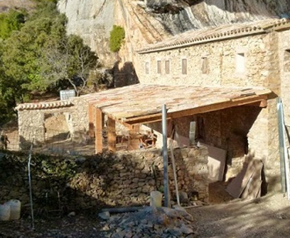 Rosell abrirá un hotel rural de lujo en la cueva de Áger