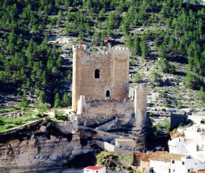 alcala-del-jucar-castillo