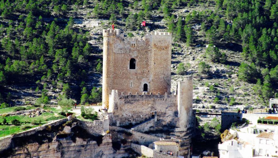 La Manchuela seguirá realizando el servicio de información y promoción turística de Alcalá del Júcar