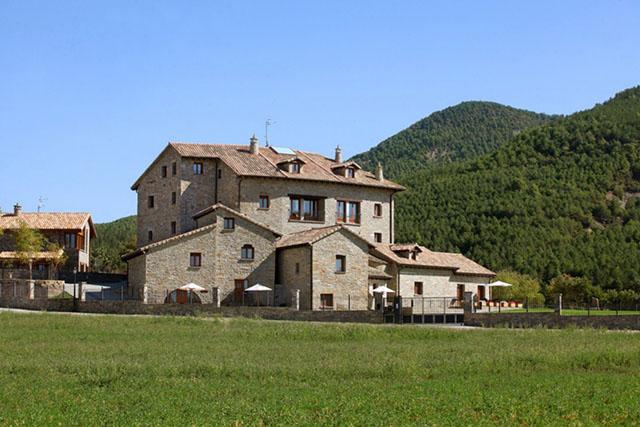 ARA-11-Casas-Pirineo