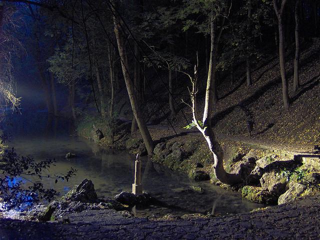 nacimiento ebro de noche