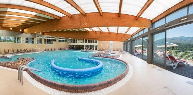 piscina balneario arnoia